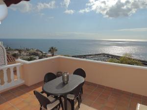 Balcone o terrazza di Romantic Retreat with Marine View