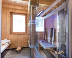 A bathroom at Chalet Rudana