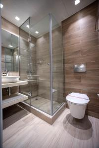 Un baño de Cavos Bay Hotel & Studios