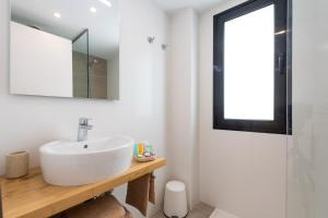 Een badkamer bij B´SLOW San Agustín