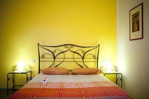 A bed or beds in a room at B&B Al Sole Di Cavessago