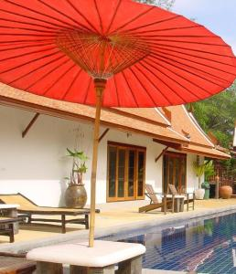 The swimming pool at or near Seapines Villa Liberg