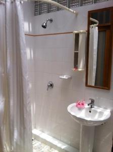 A bathroom at Seapines Villa Liberg