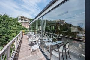 Балкон или терраса в Kopala Rikhe Hotel