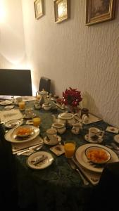 Breakfast options available to guests at Crawfords Guest house