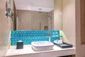 A bathroom at Swissotel Hotel Phuket Patong Beach
