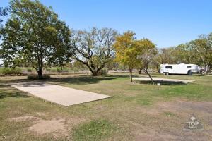 A garden outside Goondiwindi Holiday Park