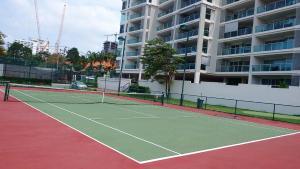 Теннис и/или сквош на территории The Elegance@Cosy Beach или поблизости
