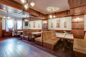 Ресторант или друго място за хранене в Shiroka Laka Hotel