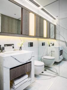 Een badkamer bij One96