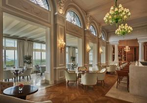 A restaurant or other place to eat at Grand-Hôtel du Cap-Ferrat, A Four Seasons Hotel