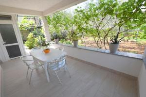 A balcony or terrace at Apartments Kraljic