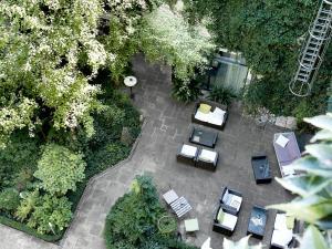Een luchtfoto van Boutiquehotel Stadthalle