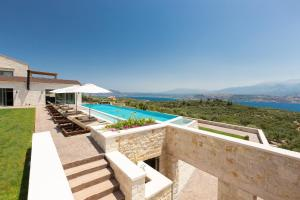 A view of the pool at Elements Villa or nearby