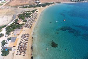 Vista aerea di Surfing Beach Village Paros