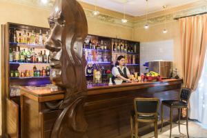 Salon ou bar de l'établissement Hotel Villa Rosa