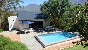 The swimming pool at or close to Mountain View Swellendam