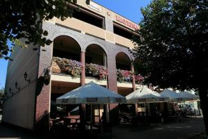 The building in which the aparthotel is located