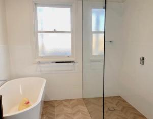 A bathroom at Cooinda