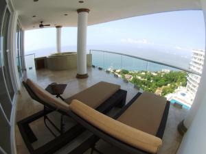 A balcony or terrace at Mondavi