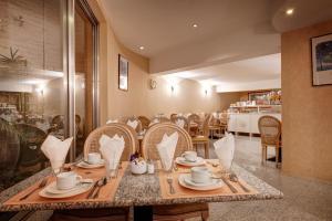 Ресторан / где поесть в Hotel Beau Site
