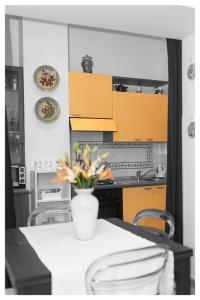 A kitchen or kitchenette at Insidesalernohome