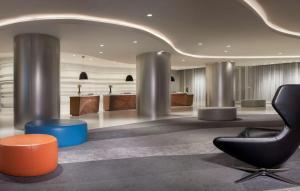 The lobby or reception area at Hyatt Regency Los Angeles International Airport