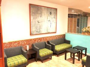 Area tempat duduk di Smile Hotel Asahikawa