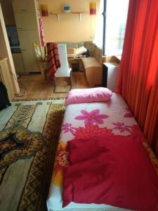 A bed or beds in a room at Captains Duisburg