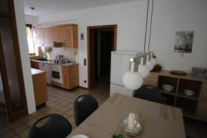 Küche/Küchenzeile in der Unterkunft Ferienwohnung am Baldeneysee