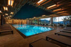 Der Swimmingpool an oder in der Nähe von My Arbor - Plose Wellness Hotel