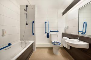 A bathroom at Ramada Bristol West