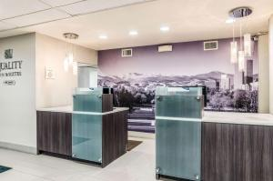 The lobby or reception area at Quality Inn & Suites Westminster – Broomfield