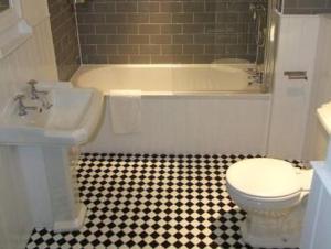A bathroom at The Fleur de Lys Inn - previously Inn at Cranborne