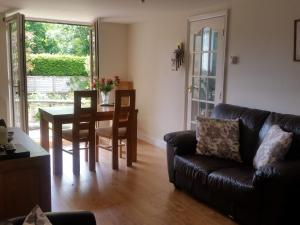 A seating area at À côté cottage