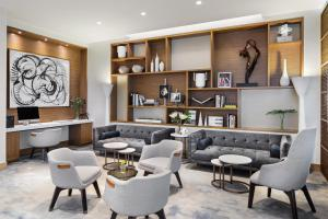 The lounge or bar area at AC Hotel by Marriott New York Downtown