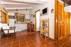 Η κουζίνα ή μικρή κουζίνα στο Liuba Houses
