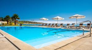 The swimming pool at or near Atlantida Mar Hotel