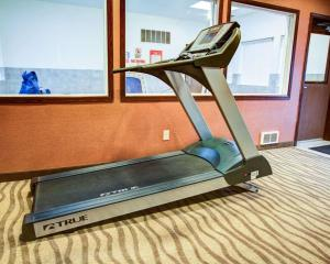 The fitness center and/or fitness facilities at Quality Inn Florence