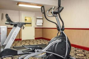 The fitness center and/or fitness facilities at Comfort Inn Feasterville - Trevose