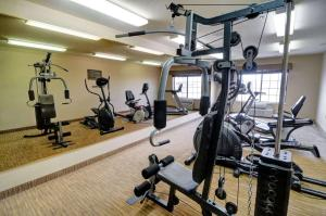 The fitness center and/or fitness facilities at Comfort Inn and Suites Medical West