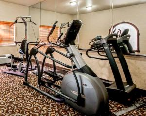 The fitness center and/or fitness facilities at Sleep Inn and Suites Shamrock