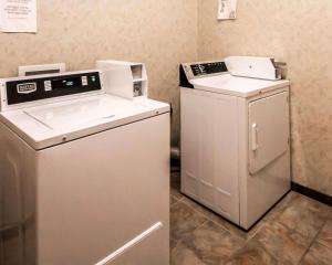 A kitchen or kitchenette at Sleep Inn and Suites Shamrock