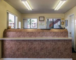 De lobby of receptie bij Rodeway Inn Zion National Park Area