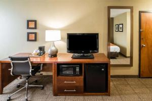 A television and/or entertainment center at Comfort Inn Wytheville
