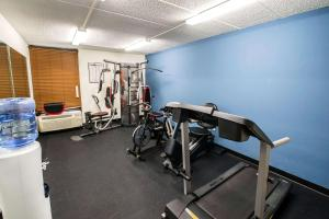 The fitness center and/or fitness facilities at Comfort Inn Wytheville