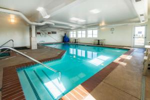 The swimming pool at or near Quality Inn & Suites at Olympic National park