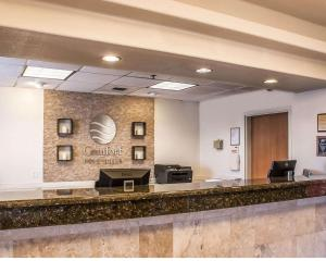 The lobby or reception area at Comfort Inn & Suites Ocean Shores