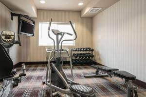 The fitness center and/or fitness facilities at Quality Inn & Suites at Olympic National park