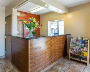 The lobby or reception area at Rodeway Inn & Suites Riverton